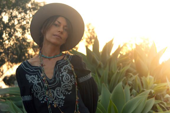 Susanna Hoffs Bares All (?) in New Interview