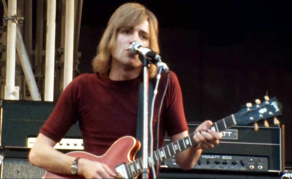 Justin Hayward Interview Moody Blues Red Gibson