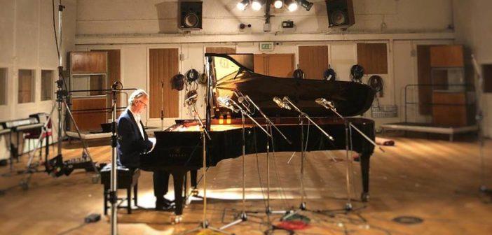 Guy Chambers (Photo: Facebook.com/guychambersmusic)
