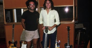 Steve Rosen and Larry Carlton (Photo: Glen La Ferman)