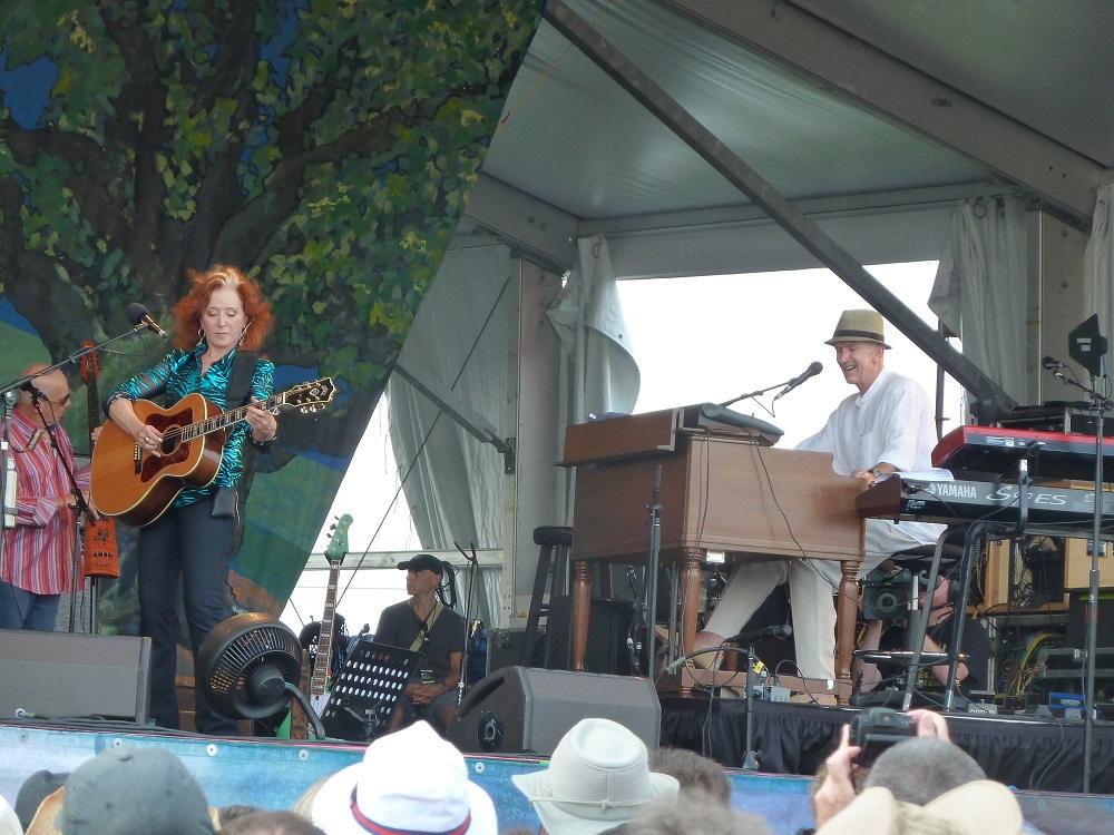 Bonnie Raitt and Mike Finnigan, New Orleans Jazz Fest 2012 (Photo: Lauri Reimer)